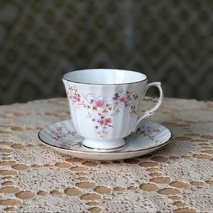 Duchess 'Spinney' teacup & saucer set